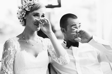 bride-and-groom-crying